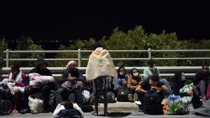 Migranter flydde från det brinnande lägret Moria på Lesbos