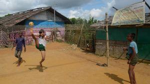 Rohingyer som flytt till grannlandet Bangladesh. Barn i lägret Kutupalong i Ukhia 5.10.2020