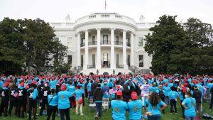 Donald Trump håller valmöte från Vita husets balkong 10.10.2020