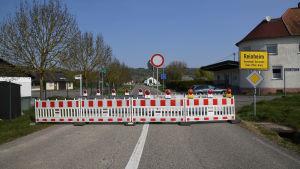Gränsen mellan Tyskland och Frankrike stängd på grund av coronapandemin. 10.4.2020