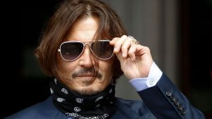 Johnny Depp anländer till rättegången den 17 juli 2020