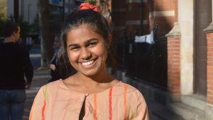 Natasha Fernandes är trött men hoppas på ett julmirakel