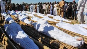Begravning av arbetare som mördats av Boko Haram