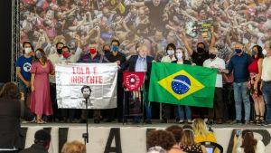 Lula da Silva är populär. Här talar han i Sao Bernardo do Campo, Sao Paulo 10.3.2021