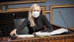 Maria Ohisalo i riksdagen.