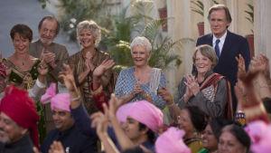 Judi Dench och Maggie Smith i filmen The Second Best Marigold Hotel.