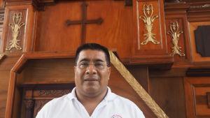 Biskopspräst Carballo är helt emot abort.