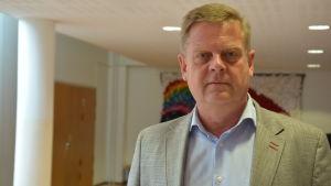 Christer karlsson, rektor för S:t Olofsskolan i Åbo.