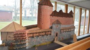 Raseborgs slott visas på utställningen om slottet 2016.