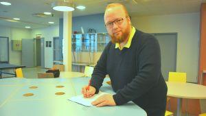 Historie- och samhällslärare Berndt Shauman i Virkby gymnasium.