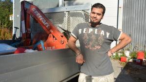 Saad Salah Hayder från Irak jobbar en tid för byggfirman Se-Ka.