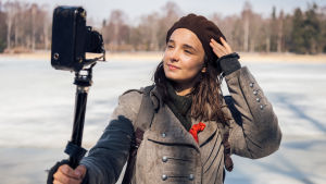 Näyttelijä Elli Melasniemi olivia18 kuvauksissa