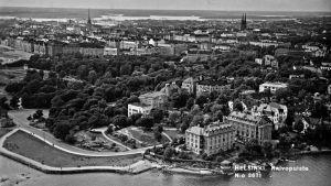 Luftfoto över Brunnsparken i Helsingfors, foto taget av Veljekset Karhumäki Oy 1936.