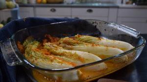 Kimchi kryddad kinakål i en ungsform