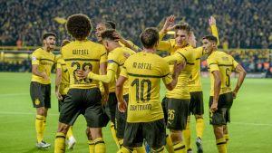 Dortmund firar ett mål mot Atletico Madrid.