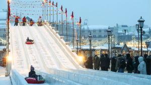 Isrutschkana i Moskva.