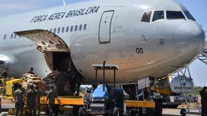 Flygplan i Boa Vista, Roraima i Brasilien,  levererar humanitärt bistånd för Venezuela