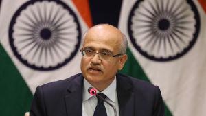 Indiens utrikesminister Vijay Keshav Gokhale krävde Pakistan på snabba åtgärder mot terrorgrupper i Pakistan som hotar Indien.