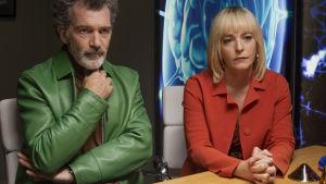 """Salvador och Zulema. Antonio Banderas och Cecilia Roth spelade mot varandra redan 1982 - i Almodóvars """"Passionens labyrint""""."""