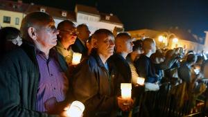 Människor samlade för minneshögtidligheter 80 år efter andra världskriget i den polska staden Wielun, där krigets första bomber föll.