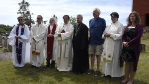 Representanter för kyrkor på ekumenisk fest på Kökar, Åland
