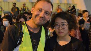 Svenska Johan Nylander och kollegan Liu Hsiu Wen från Taiwan följde noga med fjolårets antikinesiska demonstrationer