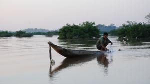 Största delen av dem som bor vid Mekong fiskar aktivt. Utan proteinet från fiskarna skulle miljontals människor ha svårt att klara sig.