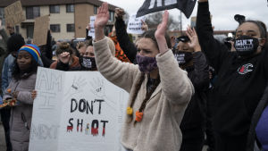 Protester mot polisvåld i Minnesota