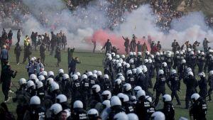 Polisen ingrep mot olagliga demonstrationer i Bryssel på första maj