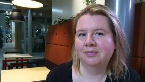 Anne Holappa forskar i digital kultur