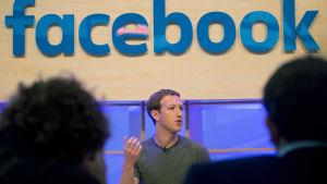 Facebooks grundare och vd Mark Zuckerberg i Berlin den 25 februari 2016.