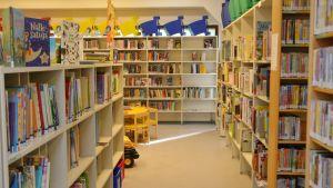 Barnavdelningen på Vårberga bibliotek.
