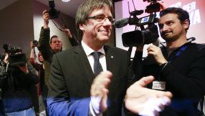 Carles Puigdemont inleder i Belgien sin valkampanj för Katalonien.