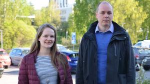 Mia Koski, planerare Trafikskyddet och Tuomas Vasama, vägingenjör, NTM-centralen.