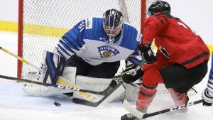 Justus Annunen räddar ett kanadensiskt avslut.