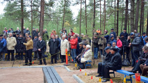 Minnesmärket över Koverhar avtäcks i Lappvik.