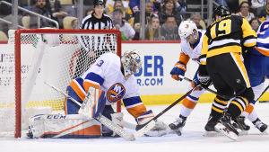 Christopher Gibson övertygade stort i lördagens NHL-säsongsdebut mot Pittsburgh.
