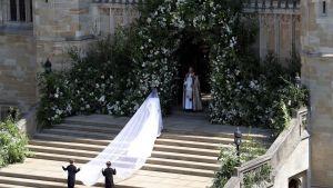 Bruden på väg in i kyrkan