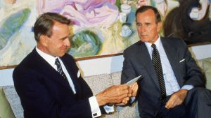 President Mauno Koivisto (t.v.) och USA:s vice president George Bush den äldre på Gullranda sommaren 1983.