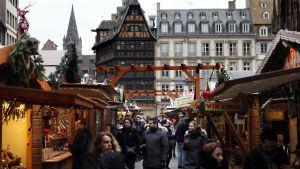 Julmarknaden i Strasbourg har öppnat igen efter attacken den 11 december.