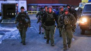Skjutning i Illinois - polis på plats.