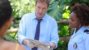 Rikoskomisario Jack Mooney ja tiiminsä palaavat suosikkisarjan Murha paratiisissa uusissa jaksoissa.