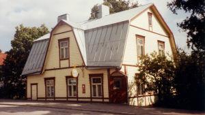 Oksanens gamla urmakaraffär i Nickby.