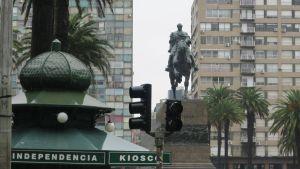 Trafikljusen fungerade inte på Självständighetsskvären i Uruguays huvudstad Montebvideo på söndagen.
