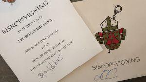 Handprogram från biskopsvigningar i Borgå stift.