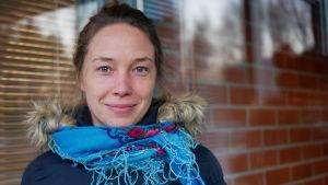 Kvinnlig forskare vid Lapplands universitet i Rovaniemi