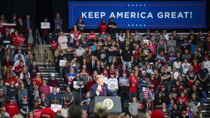 Trump möttes av en stor och entusiastisk publik i Toledo, Ohio på sitt första kampanjmöte i år.