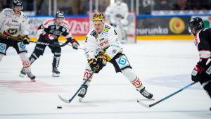 Jesse Puljujärvi spelar för Kärpät 2019.