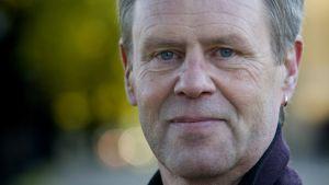 Professor emeritus i statsvetenskap, Göran Djupsund.