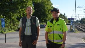 Konduktörerna Timo Lehtonen och Patrik.